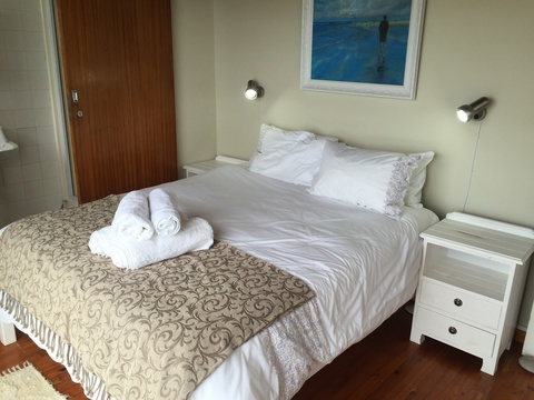 Sealnds View Main bed en-suite